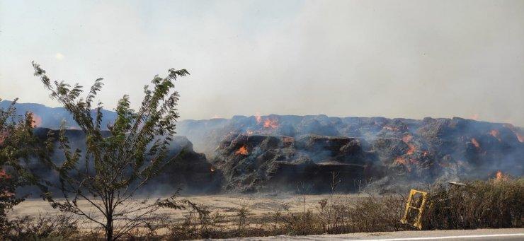 30 Bin Ton Mısır Silajı Balyasının Bulunduğu Depoda Yangın Çıktı