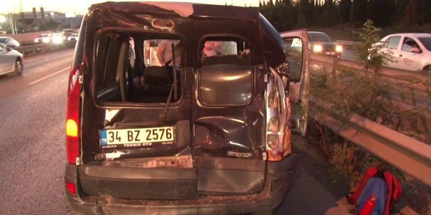 Tuzla'da zincirleme trafik kazası: 2 yaralı