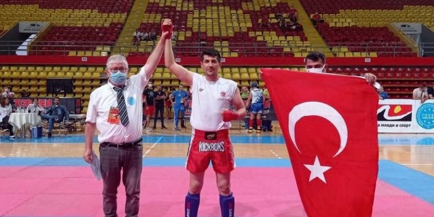 Milli sporcu Astsubay Üstçavuş Mustafa Yerli kick boksta Balkan şampiyonu oldu