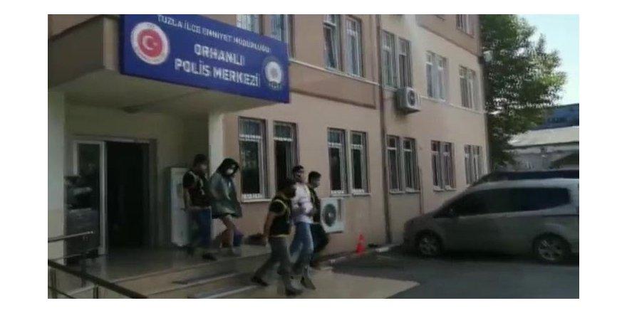 Kartal'da kaçıp Tuzla'da yakalanan araçtan 10 kilo uyuşturucu çıktı