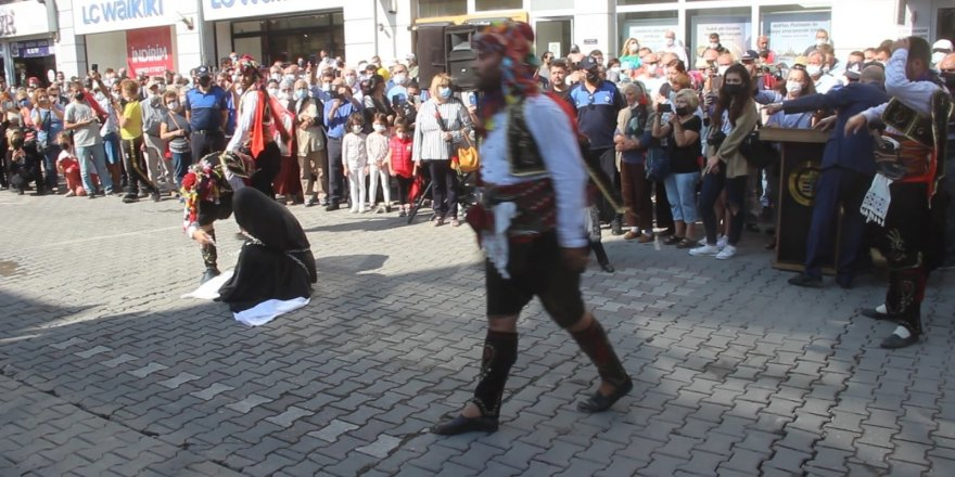 """""""Zincire vurulan kadın"""" soruşturmasında Edremit Kaymakamı Turgay Ünsal merkeze alındı"""