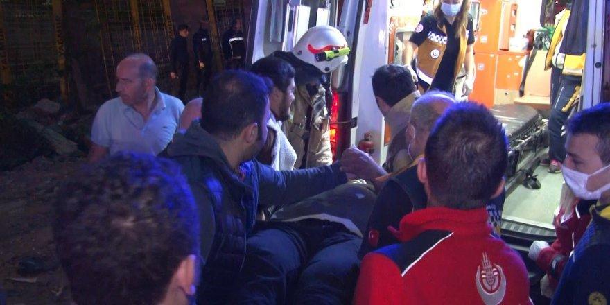Kağıthane'de kontrolü kaybeden taksi sürücüsü beton bariyerlere çarparak durabildi