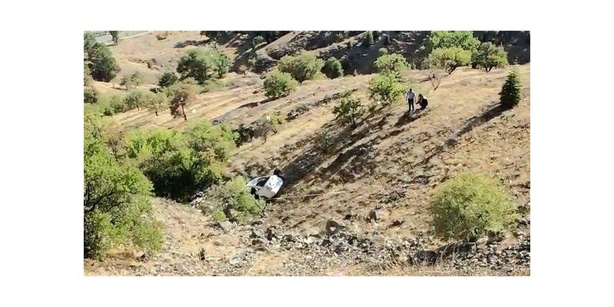 Elazığ'da otomobil 150 metreden aşağı yuvarlandı: 2 yaralı