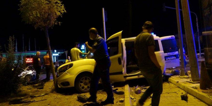 Kozan'da 2'si polis 5 yaralı