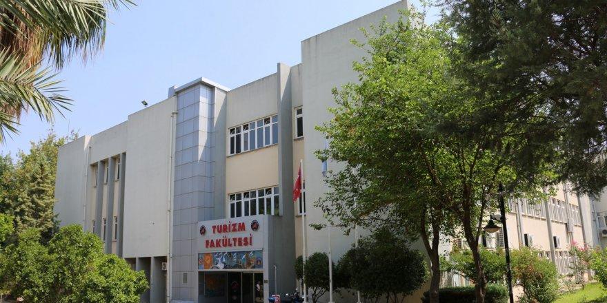 Turizm öğrencileri Akdeniz Üniversitesi'ni tercih etti