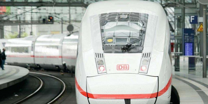 Almanya'da tren yolu biletine zam