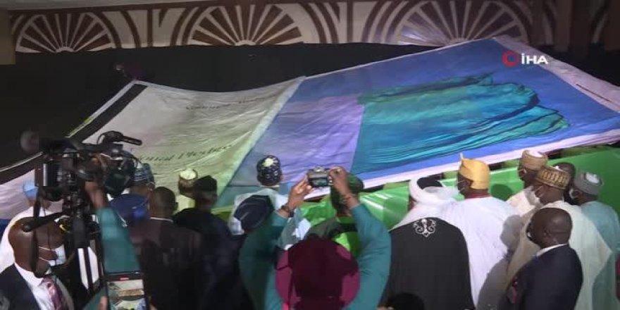 Dünyanın en büyük resimli kitabı Nijerya'da