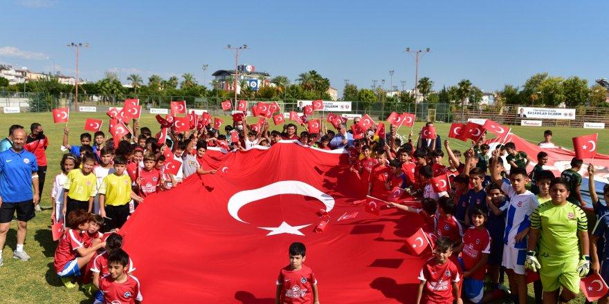 U11 ve U12 futbol takımlarından 29 Ekim karşılaşması