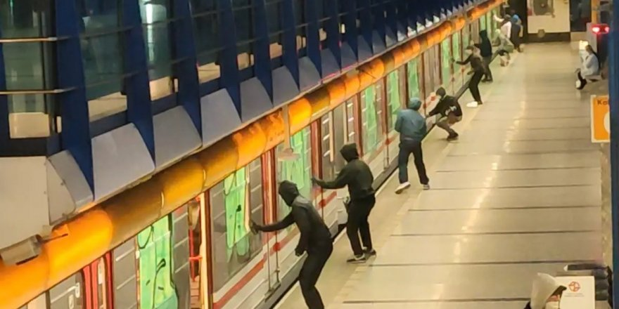 Çekya'daki metroda tekme tokat kavga