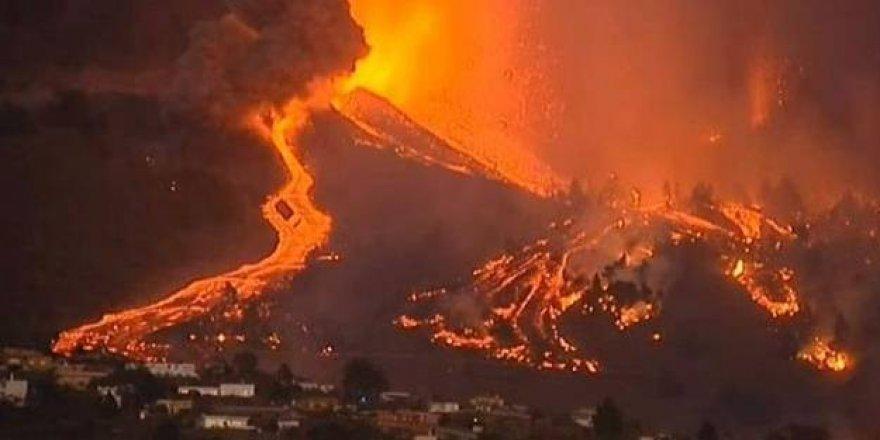 İspanya'da lavlar binaları yuttu