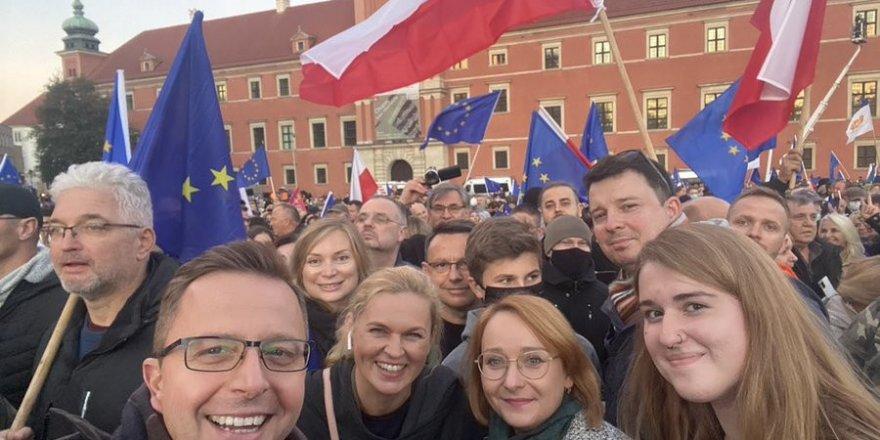 Polonyalılar, AB'den çıkmak istemiyor