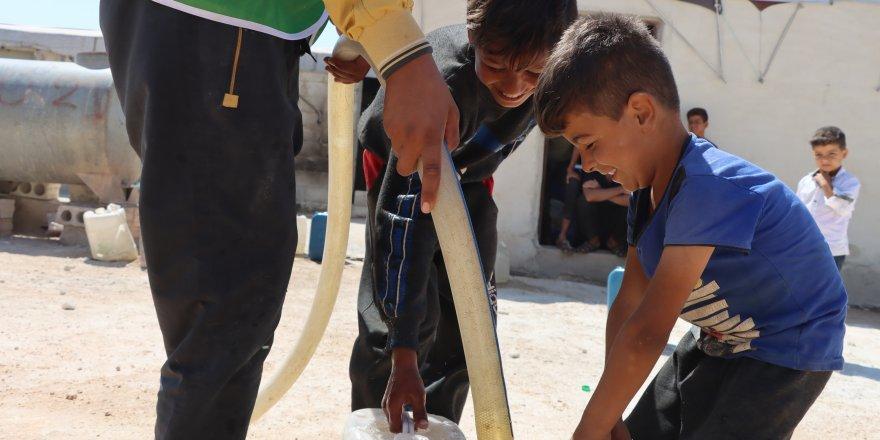 İdlib'de su kuyusu sevinci