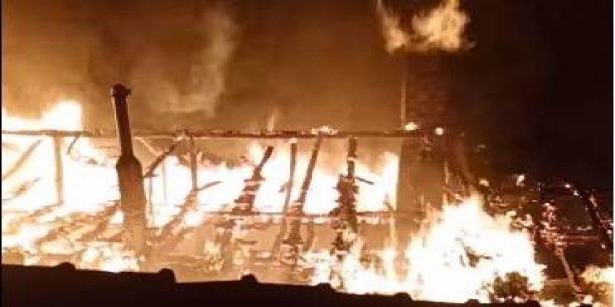 Cami imamı hem kendisini hem evi yaktı