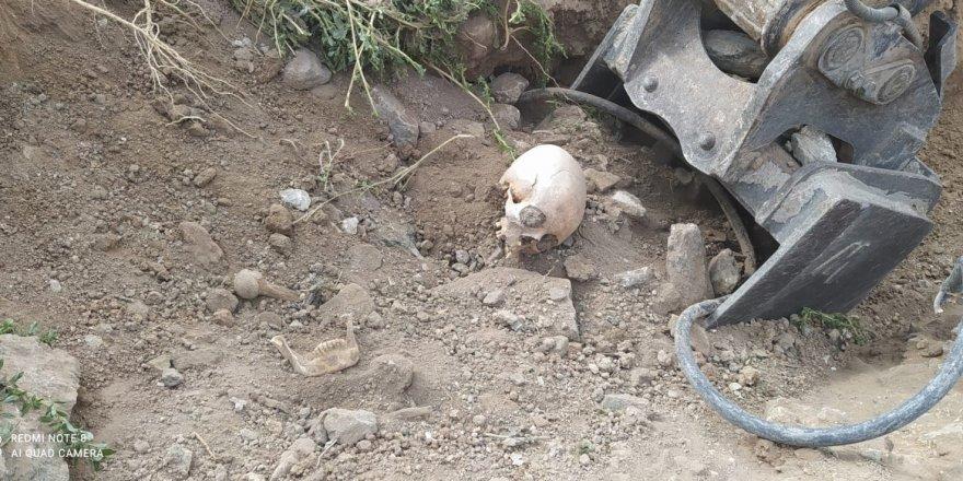 Yol çalışmasında insan kemikleri bulundu