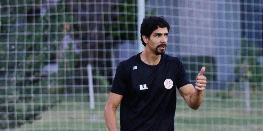 Antalyaspor'da teknik kadro belli oldu
