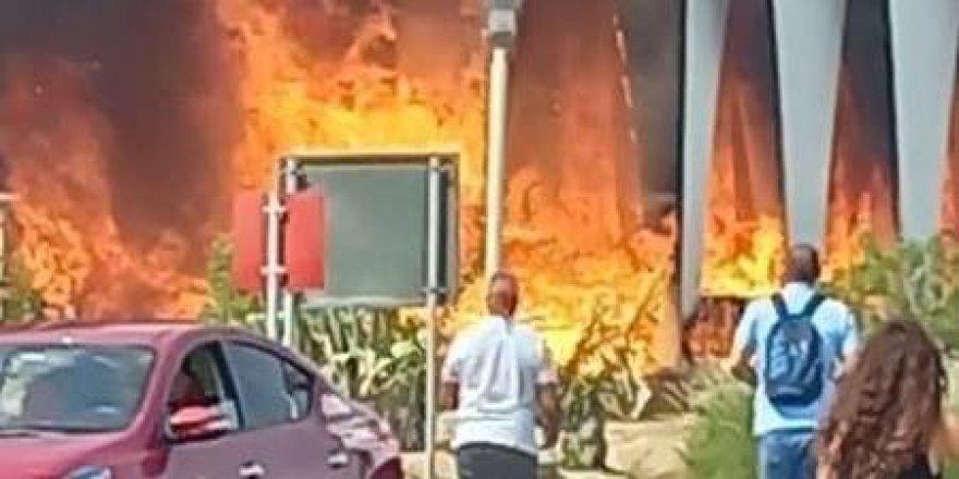 Film festivali alanında yangın çıktı