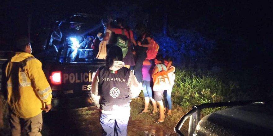 Pamela Kasırgası, Meksika'yı vurdu