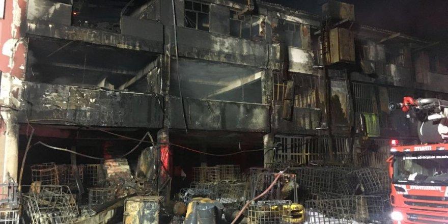 Başakşehir'de kimya fabrikasında çıkan yangın 8 saat sonra söndürüldü