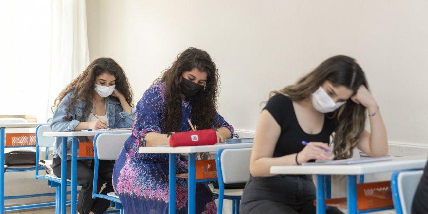 Büyükşehir Belediyesinin kursuna giden gençlerin YKS başarısı