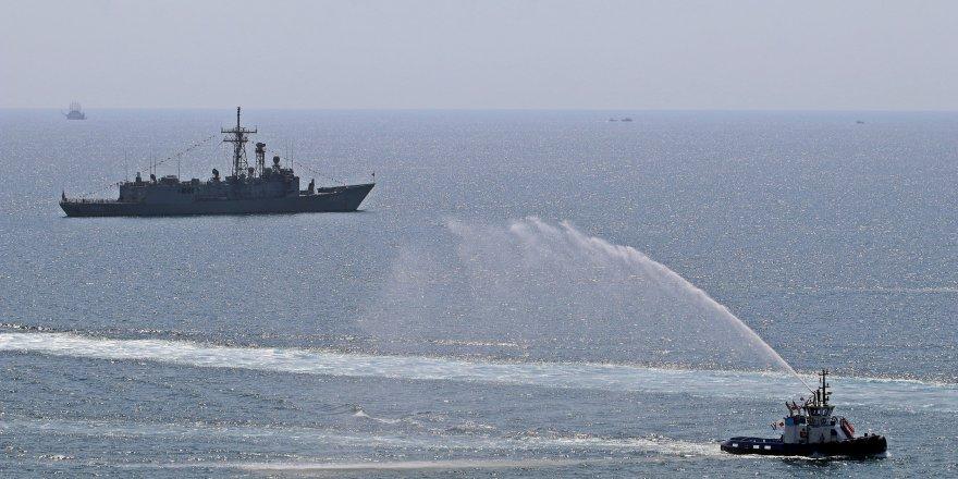 'Zafer' kutlamasında tekneler görsel şölen