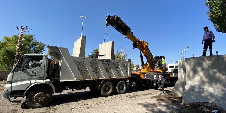 Diyadin'de güvenlik duvarları kaldırıldı