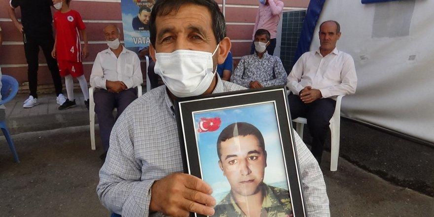 """Evlat nöbetindeki asker babası: """"Ben oğlum bırakılmadan buradan asla gitmem"""""""