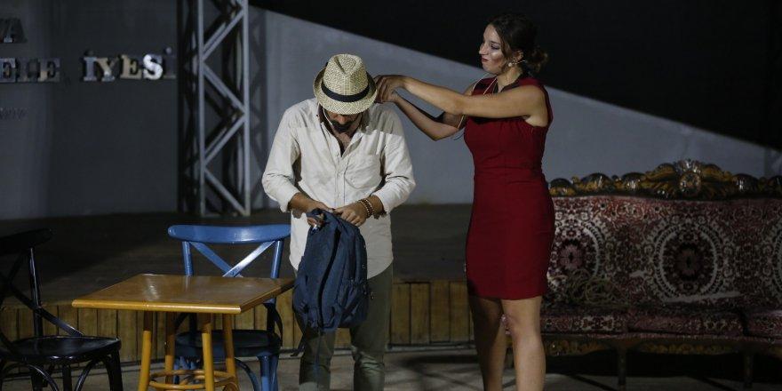 Amfi tiyatro 'Ferhat ile Sharon'a ev sahipliği yaptı