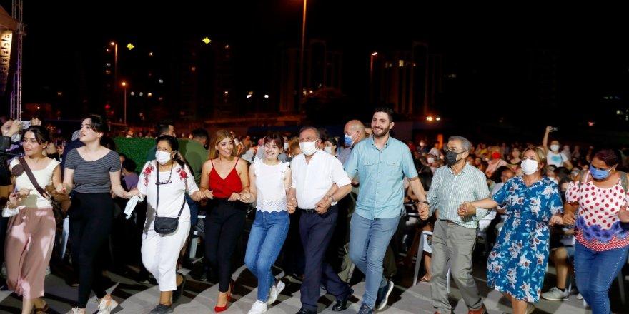 """Seyhan'da """"Dünya Barış Günü"""" etkinliği"""